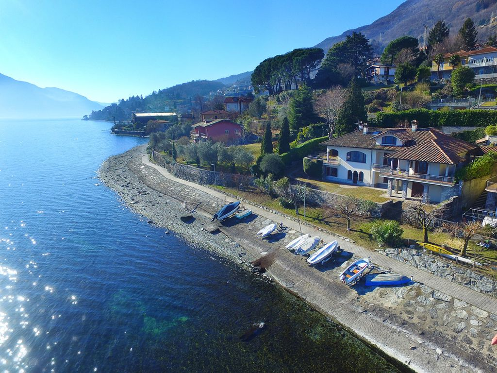 Luxury Villa Pianello Lario directly on the lake