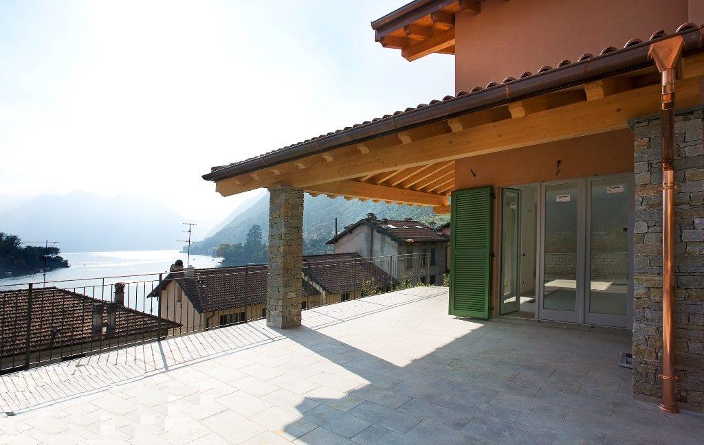Lake Como Ossuccio Detached Villa Front Lake