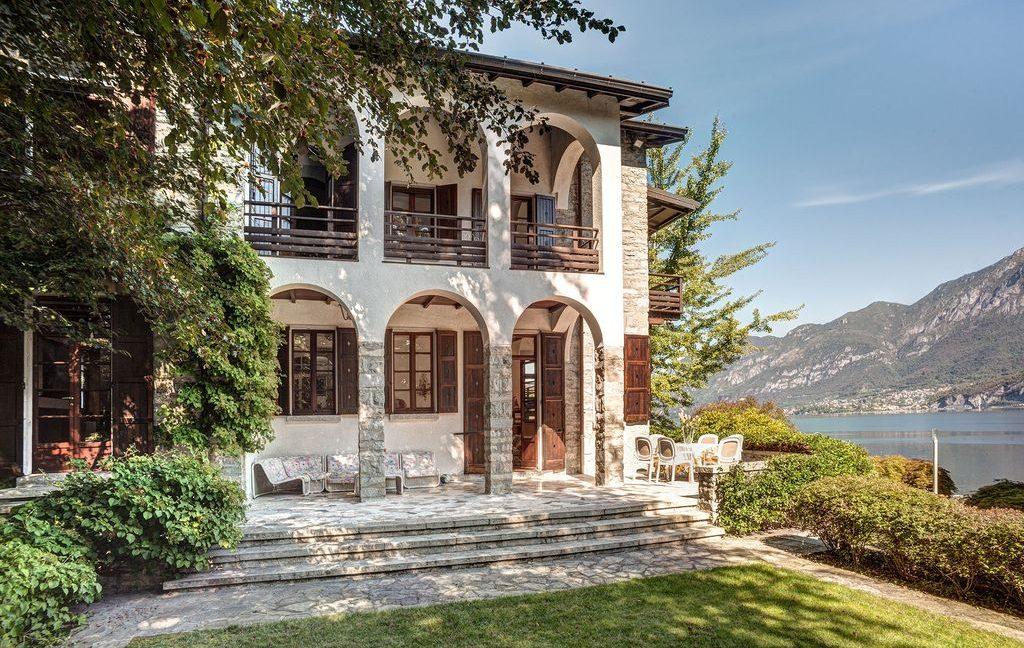 Bellagio Luxury Villa with Garden