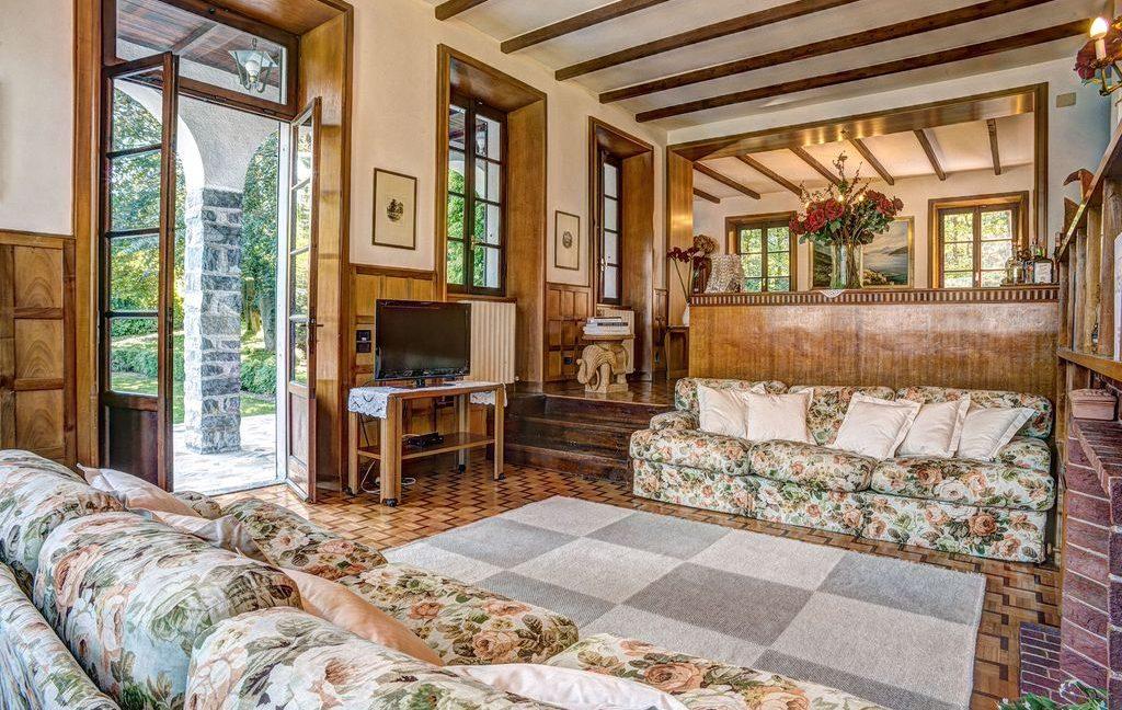 Bellagio Luxury Villa with period finishes