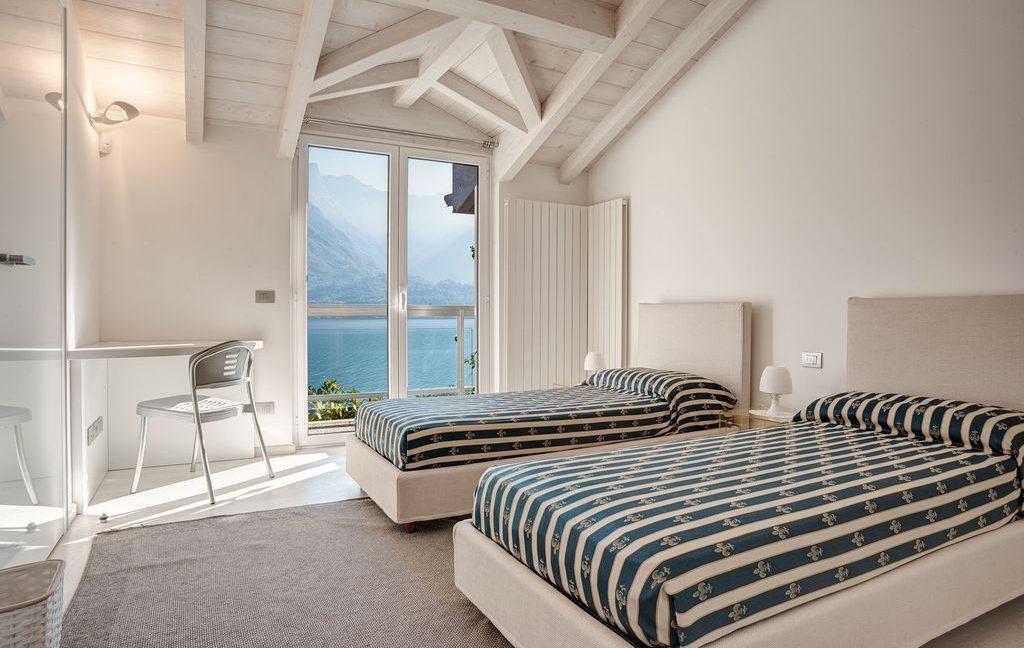 Bellagio Luxury Villa - Bedroom with 2 beds