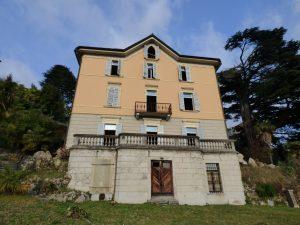 Brunate Period Villa with 25 rooms