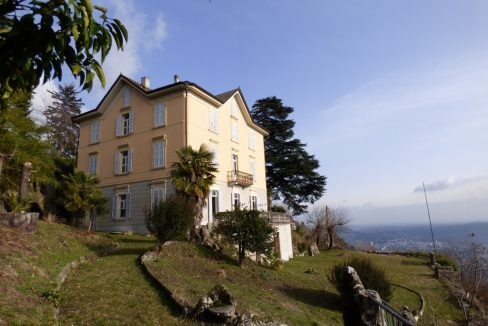 Brunate Period VIlla with garden