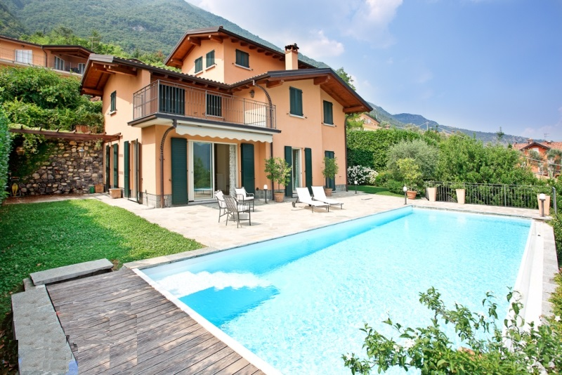 Mezzegra Luxury Villa Overlooking Lake Como