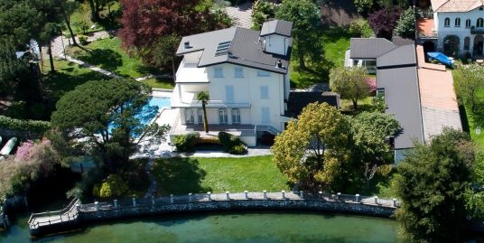 Lake Como Bellagio Luxury Villa Directly on the Lake