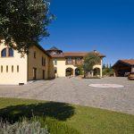 Villa with garage and parkin