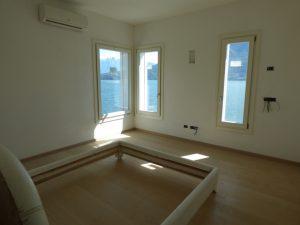 Pianello del Lario Luxury Villa Directly on The Lake Como with solar panels