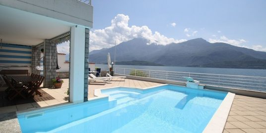 Gravedona ed Uniti Villa Directly on Lake Como with Dock
