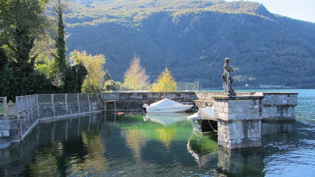 Lake Como Luxury Villa Colico Directly on the Lake