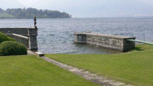 Luxury Villa on the lake