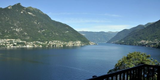Detached Villa with Pool Faggeto Lario Front Lake Como