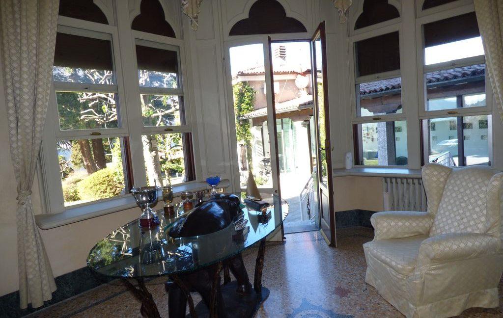 Faggeto Lario Villa - fireplace
