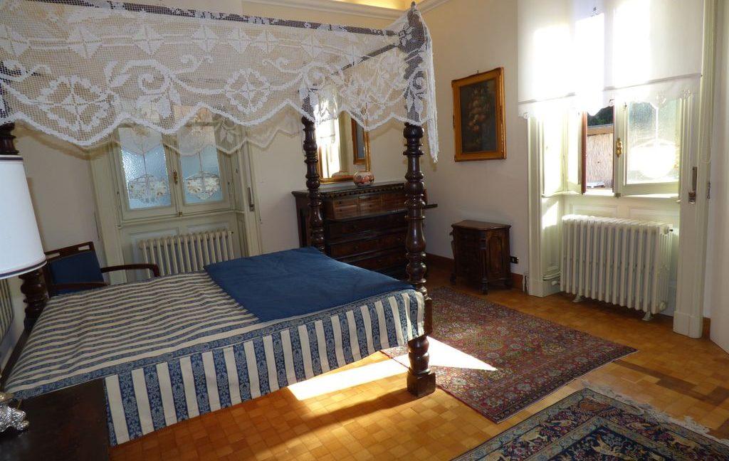 Faggeto Lario Villa - bedroom