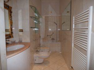 Faggeto Lario Villa - photo bathroom