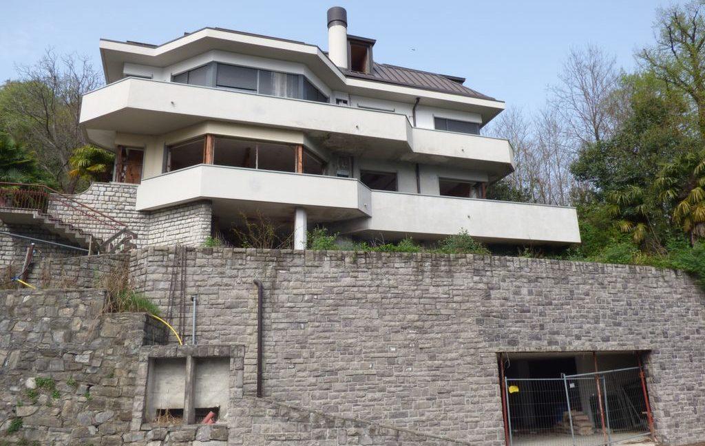 Como Luxury Villa with garage