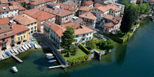 Luxury Villa Mandello del Lario Front Lake with Garden