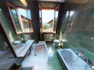 Luxury Villa Mandello del Lario Lake Como - bathroom
