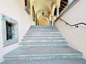 Luxury Villa Mandello del Lario Lake Como - entrance