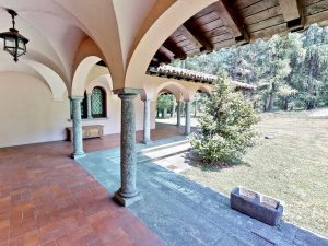 Luxury Villa Mandello del Lario Lake Como - porch