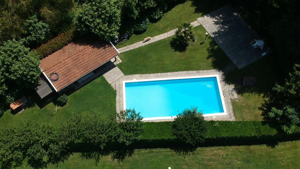 Luxury Villa Colico with garage