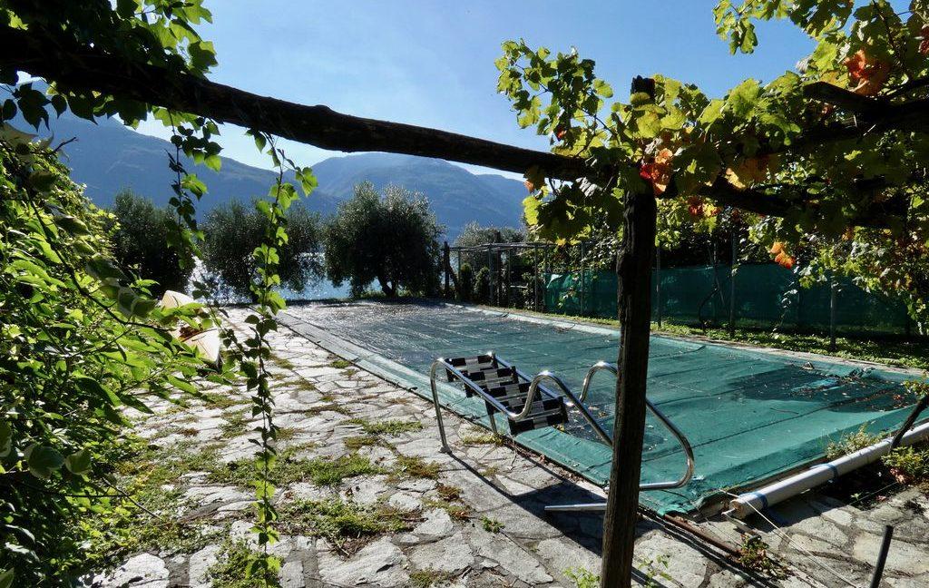 Luxury Villa Front Lake with Dock Pianello del Lario - land