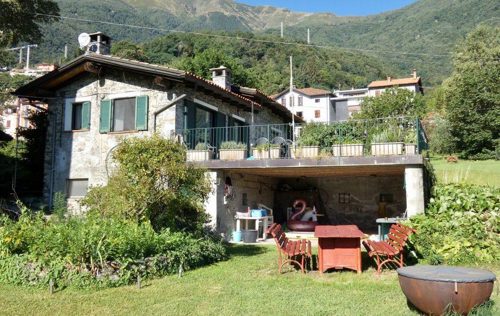 Luxury Villa Front Lake with Dock Pianello del Lario - sunny location