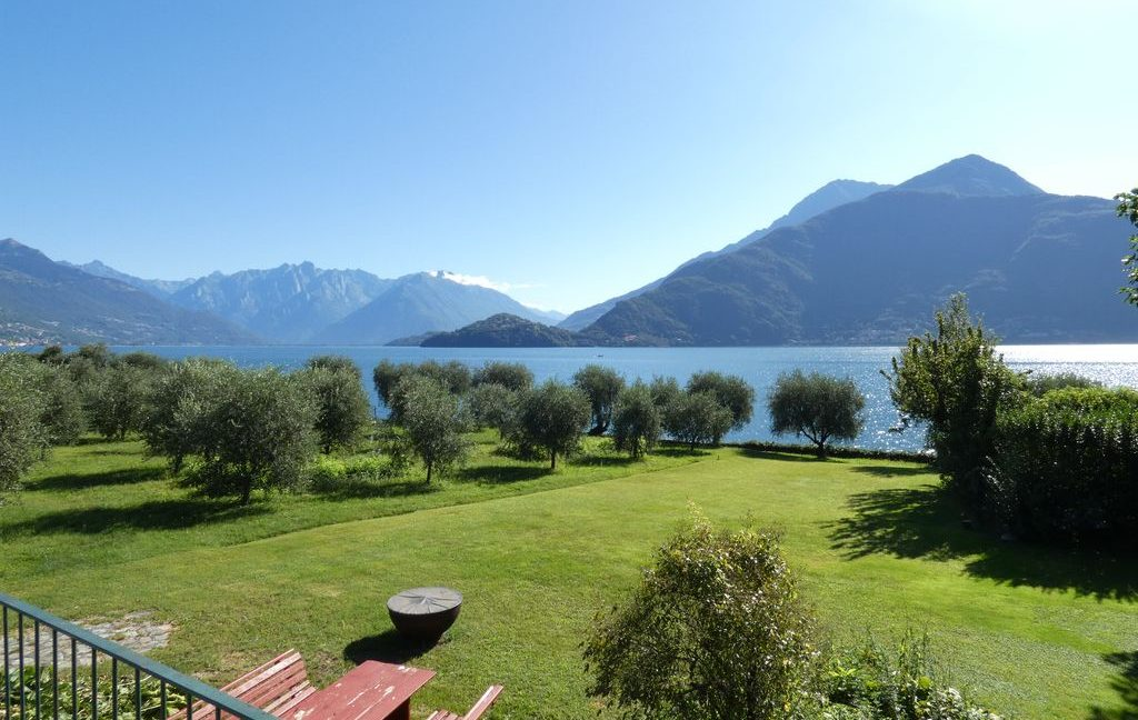 Luxury Villa Front Lake with Dock Pianello del Lario boathouse