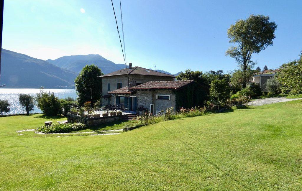 Luxury Villa Front Lake with Dock Pianello del Lario sunny