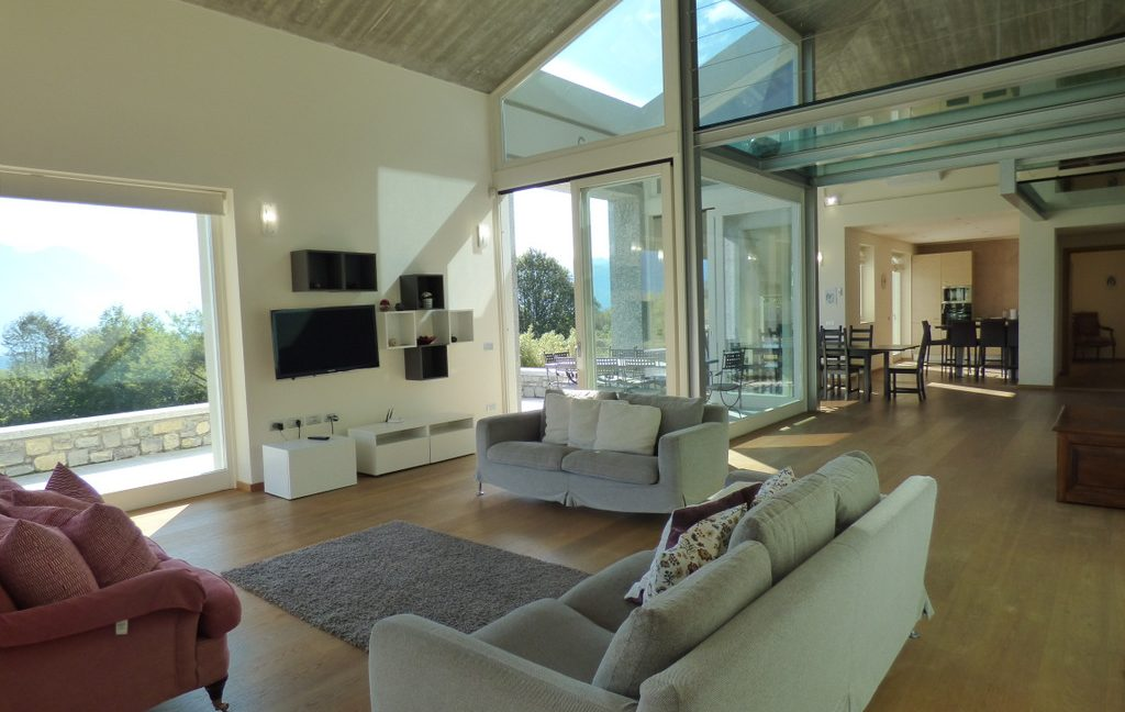 Tremezzina modern Villa with Lake Como