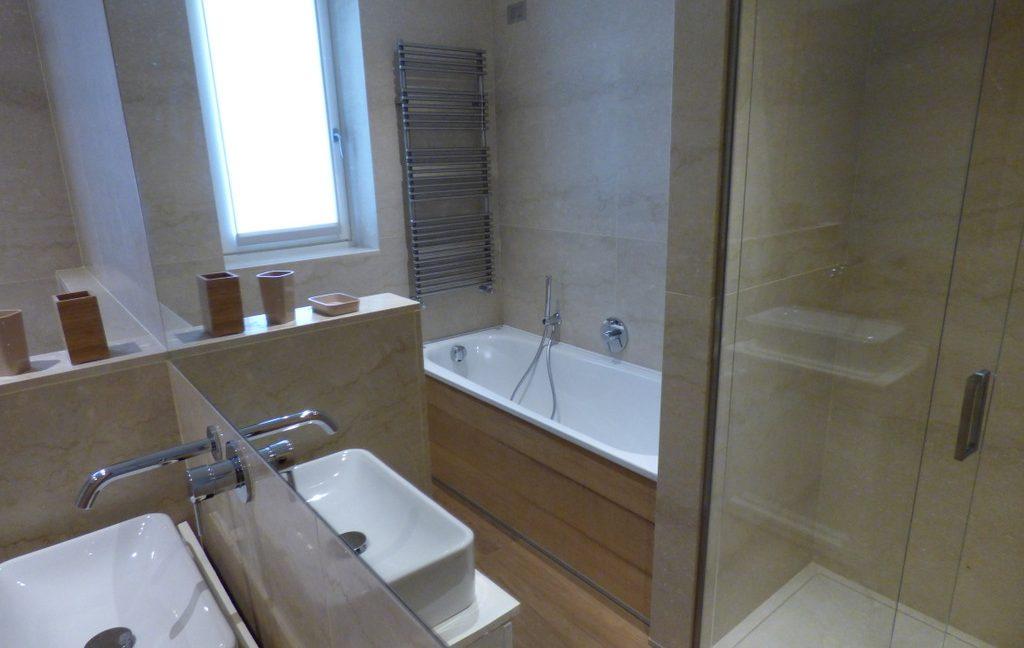 Tremezzina modern Villa - bathroom