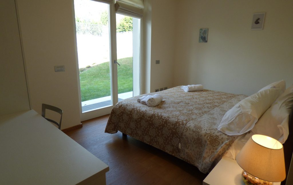 Tremezzina modern Villa - bedroom