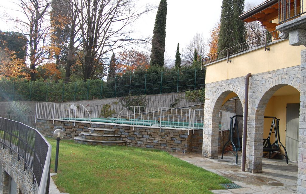 Luxury Villa Menaggio with Swimming pool and Lake view  -  garden and pool