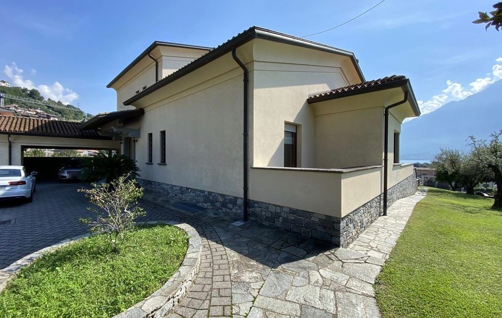 Luxury Villa Lake Como Domaso with Swimming Pool - entrance