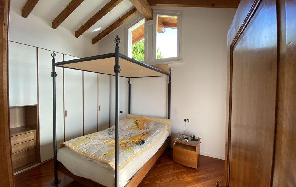 Luxury Villa Gravedona ed Uniti with Swimming Pool - bedroom