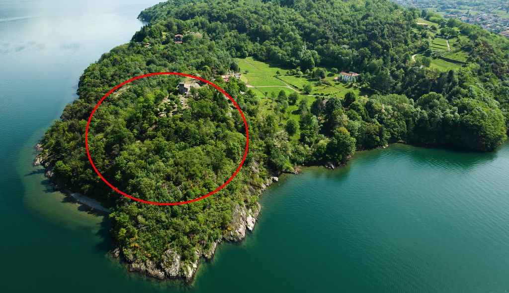 Lake Como Property Front Lake Colico