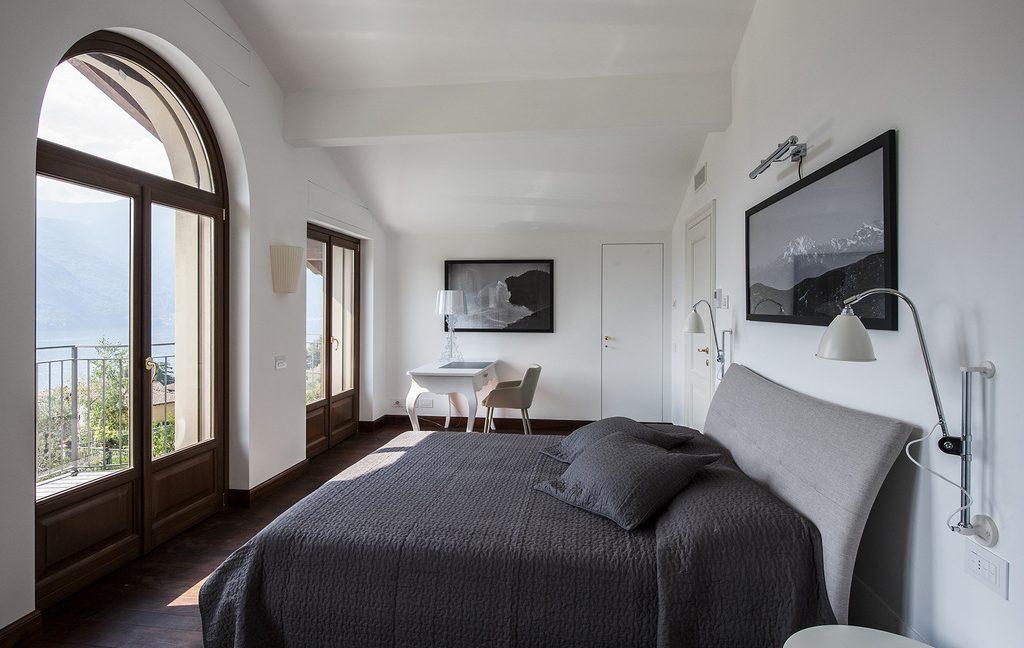 Luxury Villa Lake Como Tremezzo with Swimming Pool  - bedroom