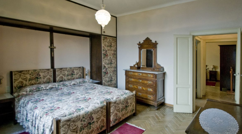 Luxury Villa Oliveto Lario with Boathouse - bedroom