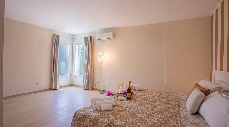 Pianello del Lario Luxury Villa Directly on Lake Como - bedroom