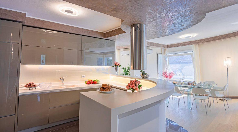 Pianello del Lario Luxury Villa Directly on Lake Como - ktichen