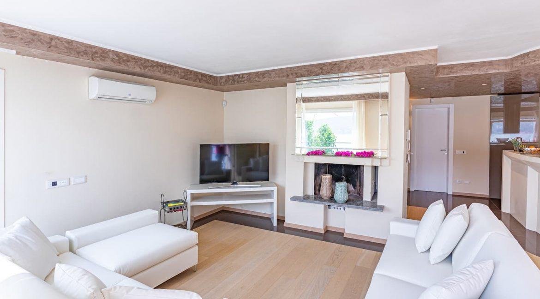 Pianello del Lario Luxury Villa Directly on Lake Como - fireplace