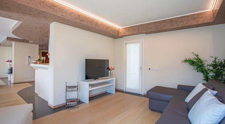 Pianello del Lario Luxury Villa Directly on Lake Como - living