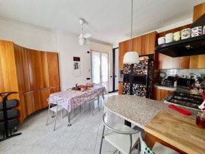 Luxury Villa Lake Como Mandello del Lario with Garden - kitchen